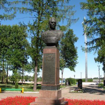 Памятник П.И.Батову