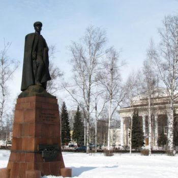 Памятник Ф.М.Харитову