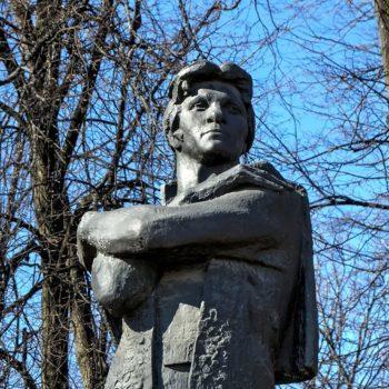 Памятник Федору Волкову