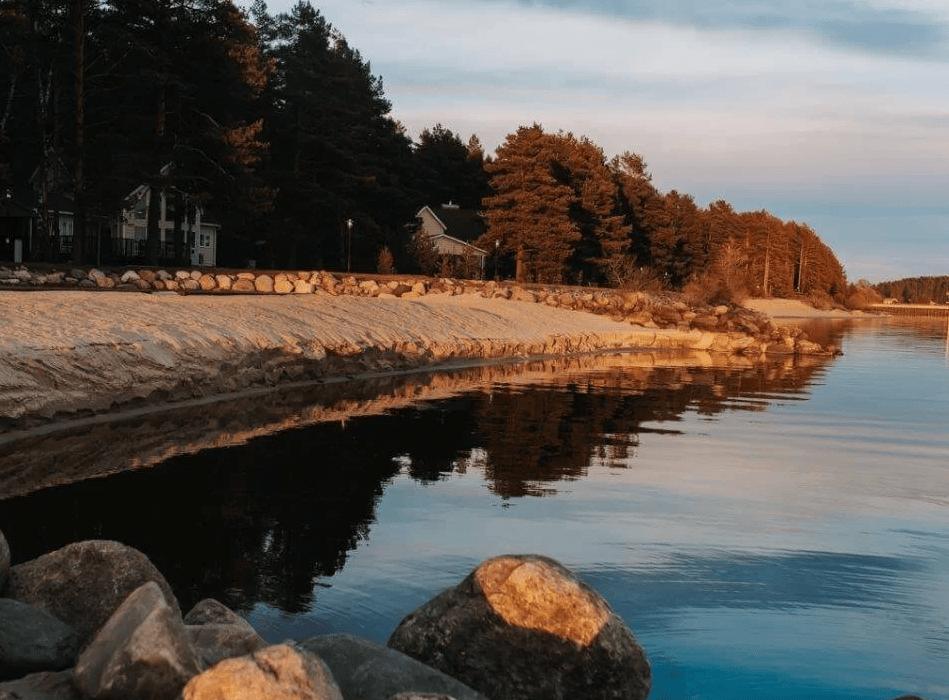 5. Встретить закат на берегу Рыбинского моря в трёх часах езды от Москвы