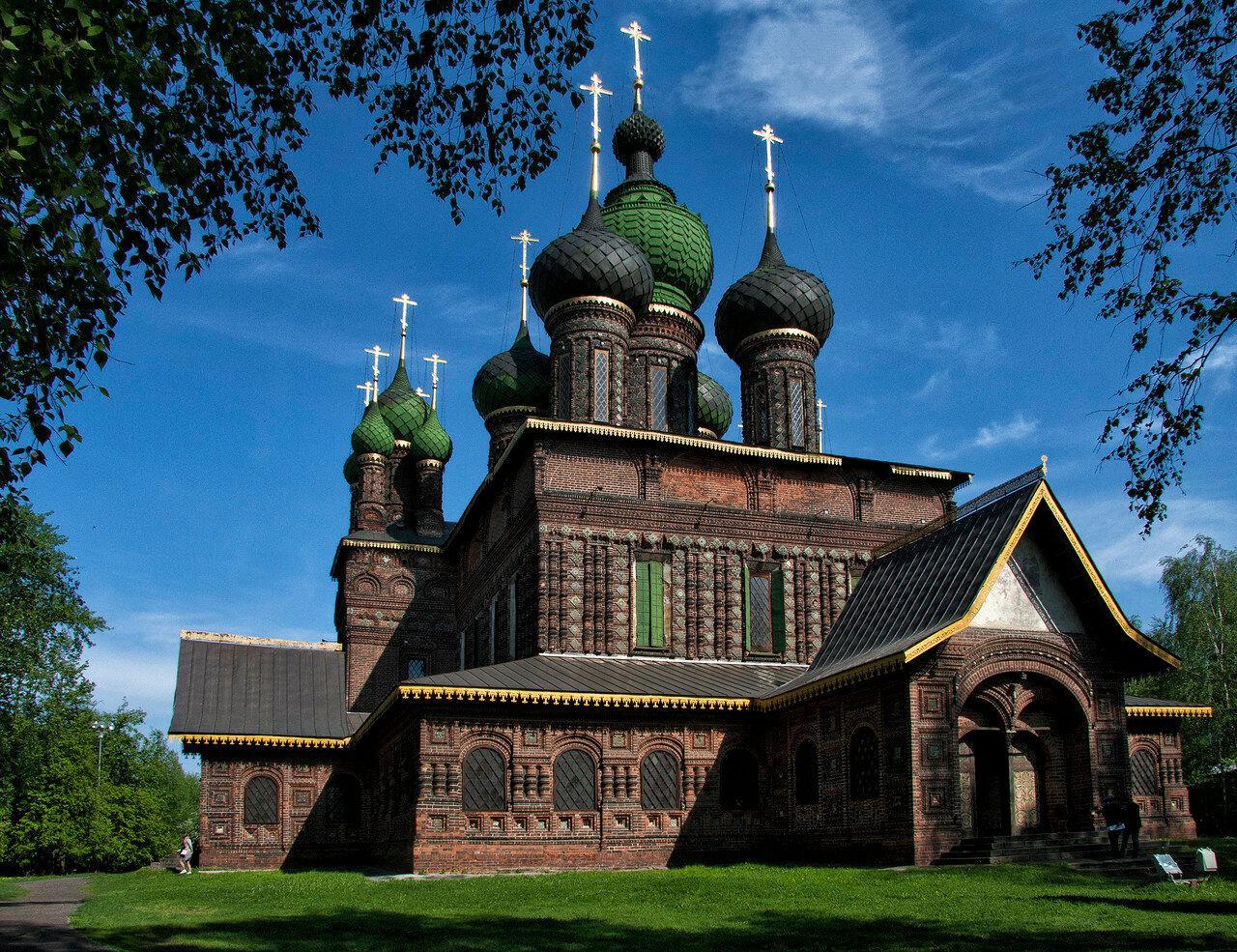 Лето в Ярославле: считаем купола и знакомимся на Стрелке